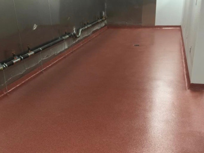 Philly-Bar-Lounge-kitchen-quartz-with-cove-base-and-aus-v-by-Gimondo-Epoxy-and-Concrete-Inc.-1-min
